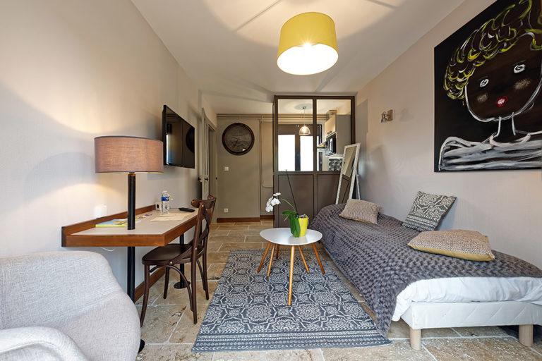 Appart'Hôtel à Autun vue du salon séjour