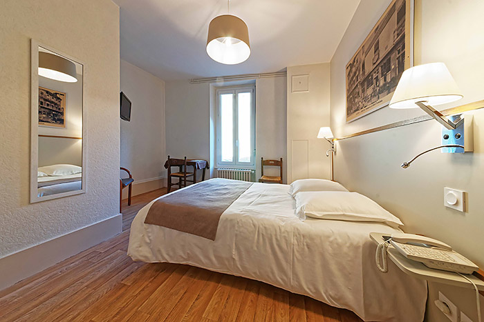 Hotel_Du_Commerce_Autun_Chambre_1